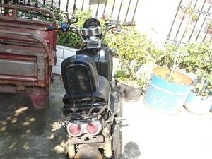 祖玛电动车,72v的电瓶,成色很新,续航还可以跑50来公里,最高,时速60码