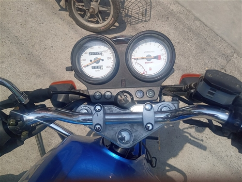 豪爵摩托车;en125车况良好,无需要者电话联系15662606731