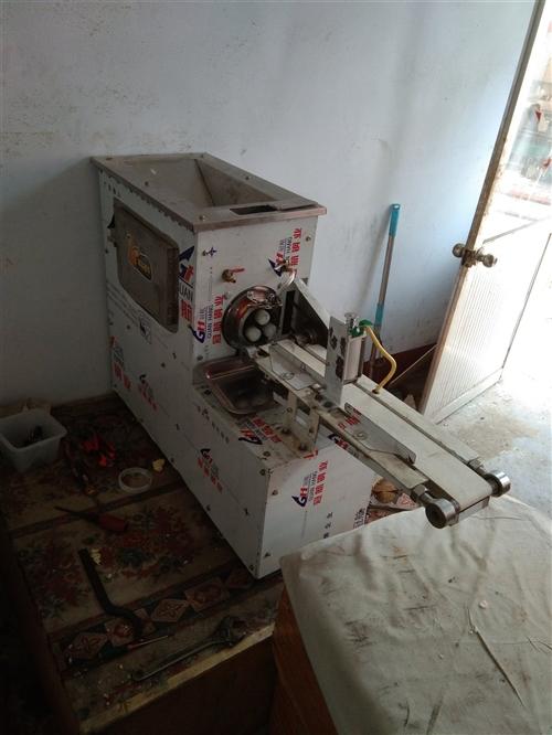刚买的麻花机一台,用了不到半月,因有急事,紧急转出,包教技术!