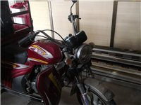 大运三轮摩托车。证件齐全。德令哈尕南庄
