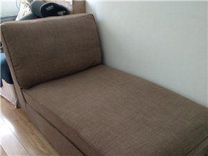 宜家贵妃椅,八成新,长150cm,宽90cm,靠背高65cm。有需要休闲宽松,半躺式生活的可以购买哦...