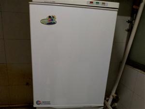 .容声,美菱201升立式冰箱各一台,六成新,低价处理