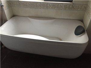 搬家�D�浴缸和立柱式洗手池,七成新,同城自提,速�系