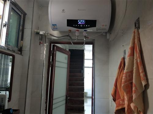 店面三个多月到期。里面设备齐全。需要联系。热水器,净水器,空调,微波炉电磁炉全新。