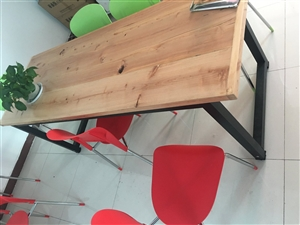 出售小型会义桌,2米长0.7米宽,电脑办公桌,都是全新没用过呢