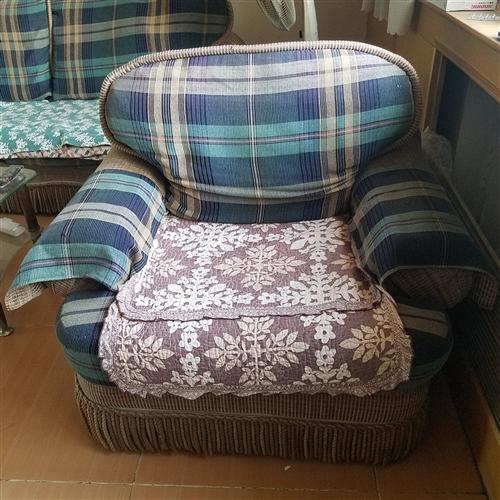 舊沙發一套