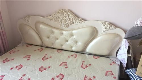 新床,幾乎沒用過,放家里落灰挺可惜,處理