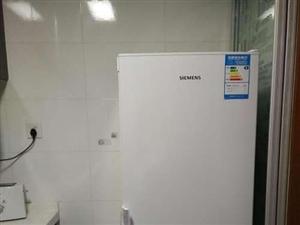 因搬新居闲置!!!德国西门子!!冰箱一台,功能完备,有需要的请联系,价格电话,面议均可!