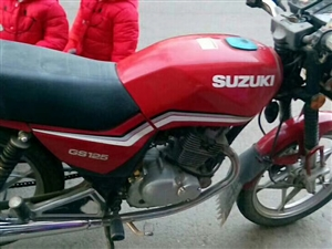 二手摩托车,九成新,买了几乎没骑