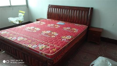 實木家具床,全新