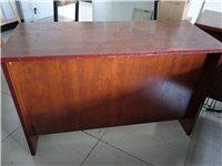 桌子低價處理120元一張。 處理桌子5張,尺寸120?50厘米,因為場地有限,想低價處理,僅限阿拉善...
