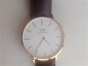 出售手表,便宜,�Я艘��月