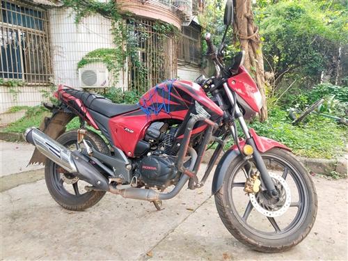 出售本田幻影150摩托车,八成新,手续齐全,无大修,交易需过户