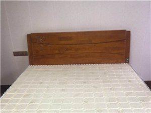 2米宽实木大床 2018年购入 现低价出售