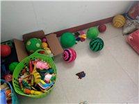 大量出售各种婴幼儿玩具!