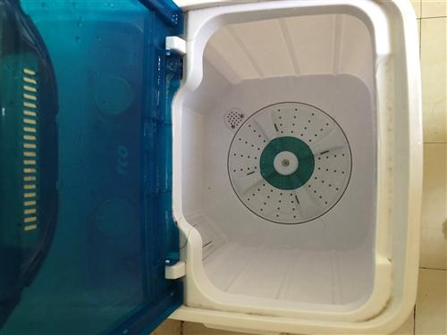 搬家拿不走,便宜出手了,小型洗衣机,有脱水功能,自提