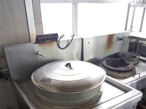 嘉峪关食堂厨房设备,八成新,低价出售,有意向的,抓紧联系