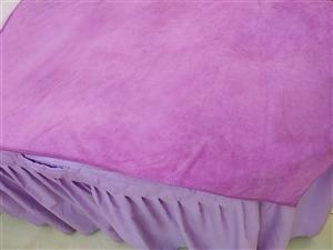 闲置美容床两张60*180,圆头,9.9成新,适合美容美体纹绣等,需要的联系我!