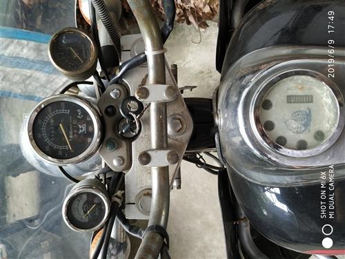 04年生产的宗申太子摩托车,买回来的头几年是在家放着的,现在家里车多骑不过来了,所以转手。车况良好,...