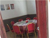 出售饭店九成新全套餐具桌椅