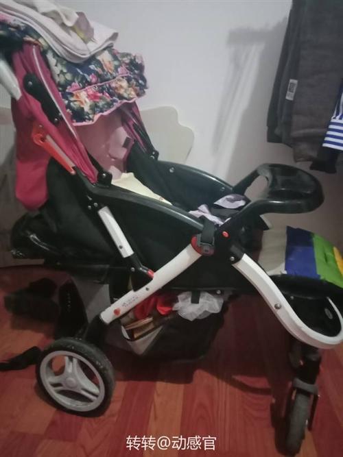 婴儿车,买来都没推过,因为我们这几年都是在外面,原价花了三百多买的,现在孩子也长大了用不着了
