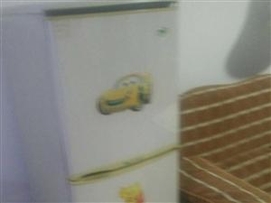海尔冰箱7成新,价格480元,商河县城提货。