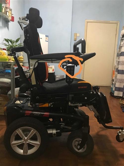 我有三台电动轮椅,拆迁放不下了卖两台。一台台湾进口美利驰p103,一台电动站立平躺轮椅,卖给有需要的...