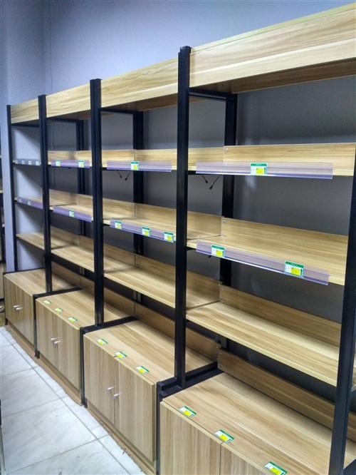 店面转让,精品货柜、收银机、展示柜、收银台低价处理