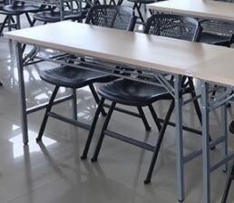 全新�品�r格便宜,可以��,�有其他的椅子和桌子柜子。��X桌,需要多的可��惠,有需要的�132676...