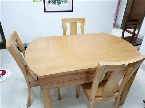 10人家庭折疊全實木餐桌,一臺六凳,收起1350*860,展開為直徑1350圓桌,購買一年多九成新無...