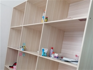 壁柜,鋼架低價處理,有需要的請聯系,??15286283352