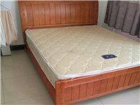 1.8木床带床垫400.地址白马井镇万家惠附近