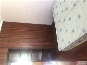 譽洲小區女生單間出租,有無線能做飯洗澡