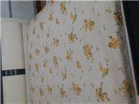搬家了处理两张床,都带床垫,大床1.8~2,400元小床1~2.180元非诚勿扰