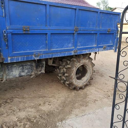 出售农用四不像,4100机器,带高栏,额外再带6根平胎。车长3米  宽2米     家里没地方放了,...