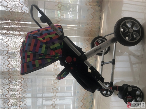 高景观四轮婴儿推车(0个月~5岁)九成新   具有一键收车功能  原价769购于商场 手推把可调节...