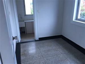 竹园村带储藏3室 2厅 1卫68万元