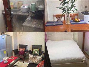 宝龙城市广场公寓1室 1厅 1卫1500元/月
