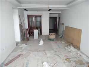 留金国际3室2厅2卫装修未入住急售