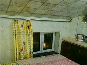 东方明珠7室 1厅 1卫500元/月