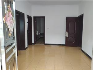 实验小学操场对面私房3室 2厅 1卫700元/月
