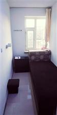 商贸中心公寓5室 1厅 1卫400元/月