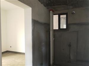 政府附近电梯房3室 2厅 1卫42.8万元