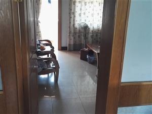 四中斜对面工行宿舍楼3室 1厅 1卫1200元/月