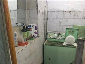 左宗棠中学附近老公路局2室 1厅 1卫500元/月