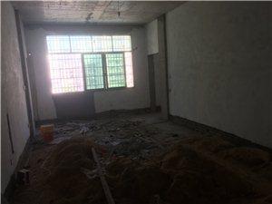 东山安置区4室 2厅 3卫52万元