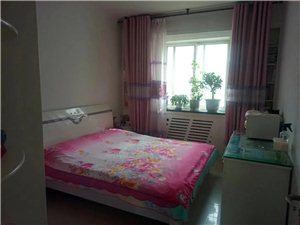 朝阳花园三楼急售2室 2厅 1卫38万元