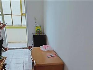 东关十字北面2室 2厅 1卫950元/月
