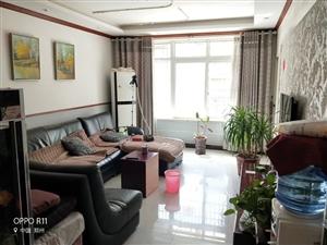 宏基王朝一楼带小花园3室 2厅 2卫106万元