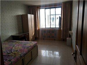 一商店高丽城楼上4室 1厅 2卫450元/月